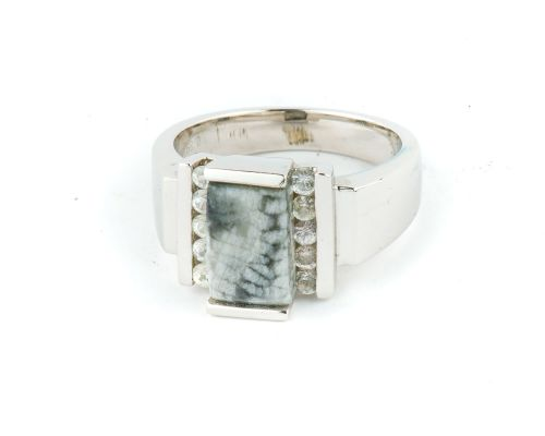 Alaska Sea Coral Ladies Rectangular Ring With 8 Side Diamonds